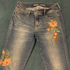 Old Navy embroidered Rockstar jeans size 2